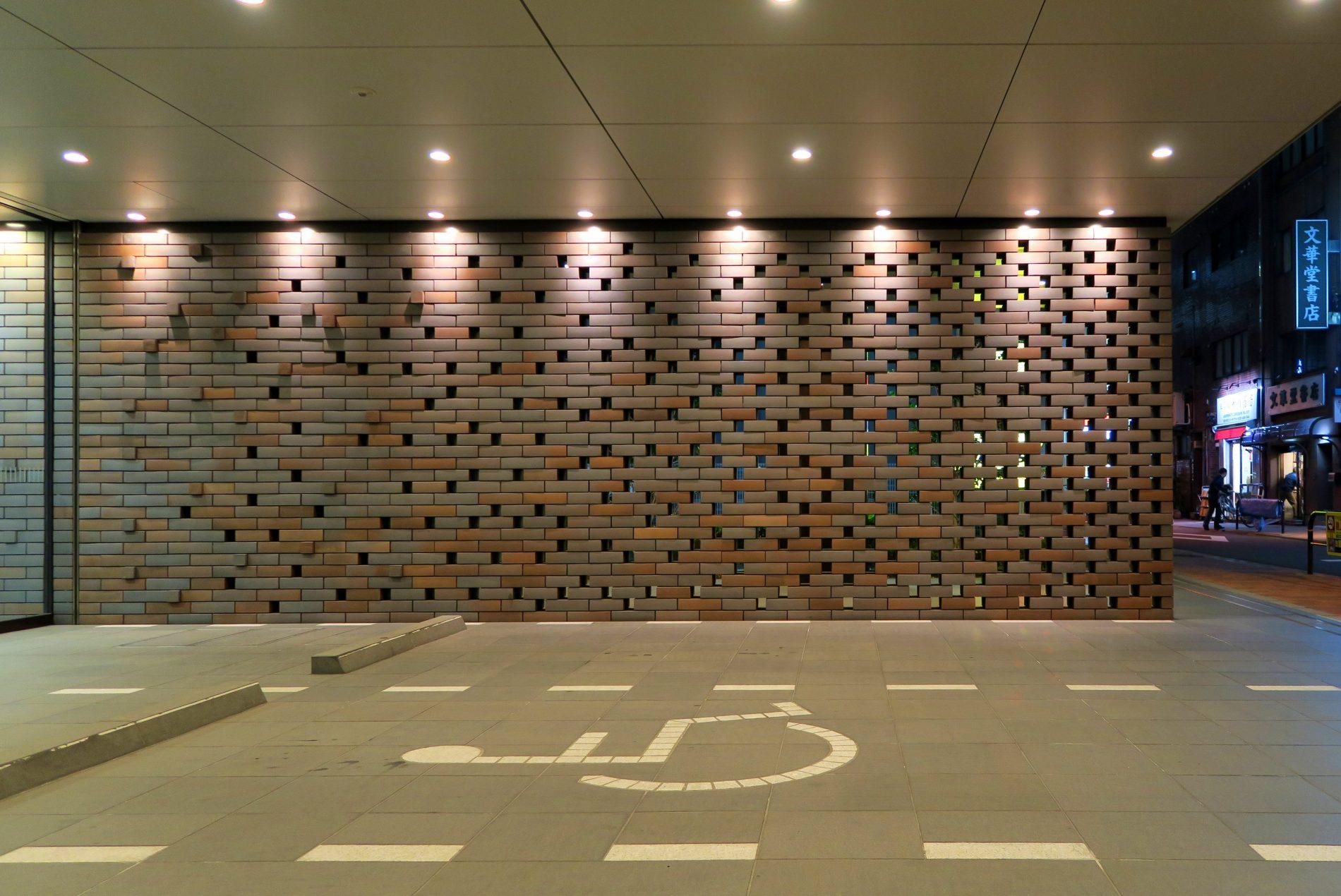 2011神保町プロジェクト_乾式レンガスクリーン